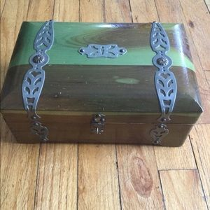 Other - Green wooden VTG box GRAW NY